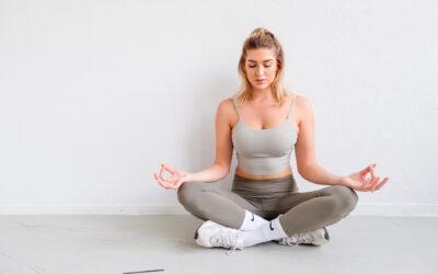 5 redenen waarom jij yoga moet toepassen in je dagelijkse routine ..